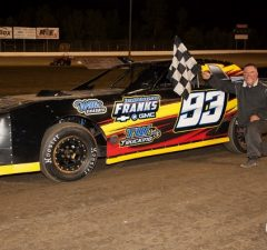 Stacy Robinson of Kosciusko, MS took the NeSmith/AR Bodies Street Stock Division win in Week 7 competition on Saturday night at Magnolia Motor Speedway in Columbus, MS driving the #93 Frank's Chevrolet.  (Foto 1 Photo)