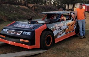 Jay Geddie of Ellisville, MS drove the Geddie Tree Service Chevrolet to victory on Friday in the NeSmith Performance Parts Street Stock Division 2016 season opener at Hattiesburg Speedway in Hattiesburg, MS.  (Yellowcautionflag.com photo)